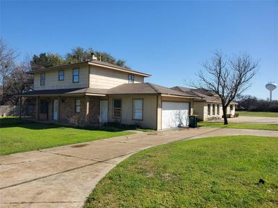 207 SWISHER RD, LAKE DALLAS, TX 75065 - Photo 1