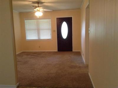 202 NE 8TH ST, Hubbard, TX 76648 - Photo 2