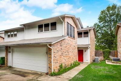 1428 HAMPTON RD, Grapevine, TX 76051 - Photo 1