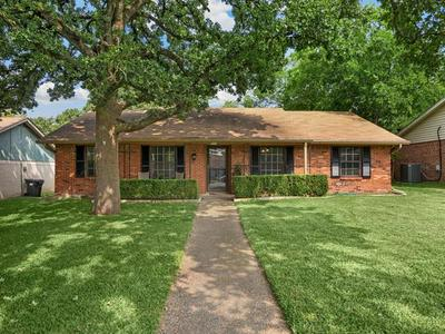 216 HAMPTON AVE, Corsicana, TX 75110 - Photo 1