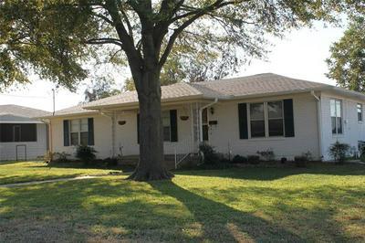 727 WHITE ST, Whitesboro, TX 76273 - Photo 2