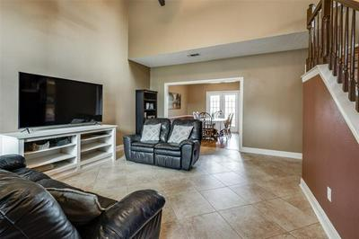 9428 ABBEY RD, Irving, TX 75063 - Photo 2