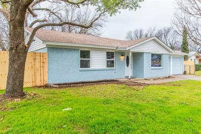213 REAVES CT, EULESS, TX 76040 - Photo 1