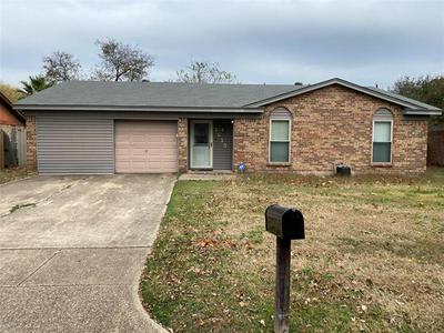 1613 TOBIE LAYNE ST, Benbrook, TX 76126 - Photo 1