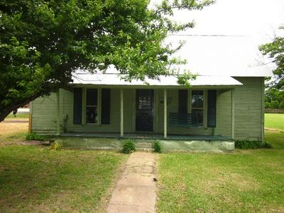404 1ST ST, Windom, TX 75492 - Photo 1
