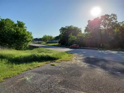 402 S TEXAS ST, Emory, TX 75440 - Photo 2