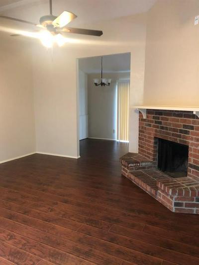 404 WHITNEY ST, Cedar Hill, TX 75104 - Photo 2