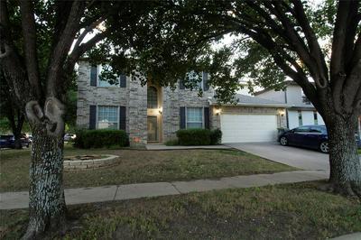 927 LEADVILLE DR, Arlington, TX 76001 - Photo 2