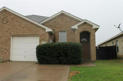 907 WALNUT ST, Burleson, TX 76028 - Photo 2
