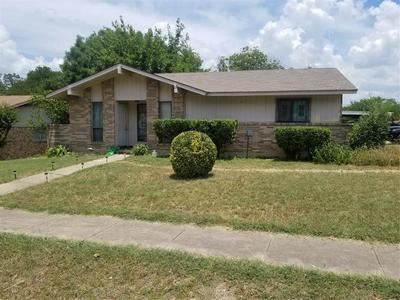 1212 OAK CREEK DR, Hutchins, TX 75141 - Photo 1