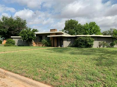 701 E BURNSIDE ST, Rotan, TX 79546 - Photo 1
