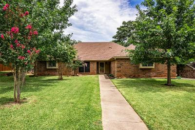 7333 LONDONDERRY DR, North Richland Hills, TX 76182 - Photo 1