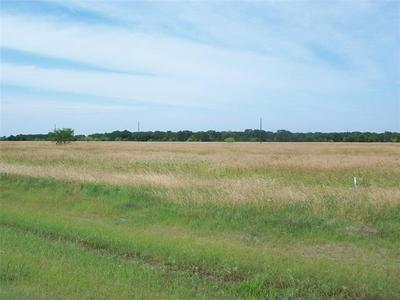 300 THE SHORES, Mildred, TX 75109 - Photo 2