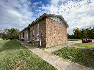 800 W WASHINGTON ST # 6, Clarksville, TX 75426 - Photo 1