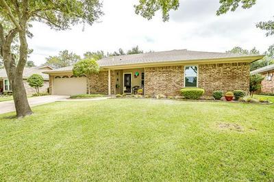 7620 NORTHFIELD DR, North Richland Hills, TX 76182 - Photo 2