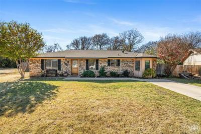 116 BOWIE CIR, Brownwood, TX 76801 - Photo 1