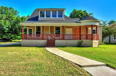 610 W 6TH ST, Bonham, TX 75418 - Photo 1