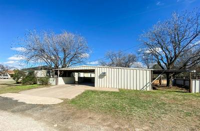 1202 WESLEYAN ST, STAMFORD, TX 79553 - Photo 2