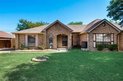 725 BALLARD ST, Cedar Hill, TX 75104 - Photo 2