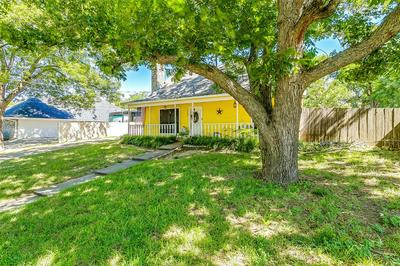 307 W PARK AVE, Weatherford, TX 76086 - Photo 2