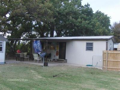 7 PORT ROYAL RD, Comanche, TX 76442 - Photo 1