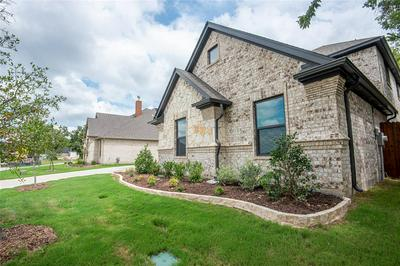 1104 CROWN VALLEY DR, Weatherford, TX 76087 - Photo 2