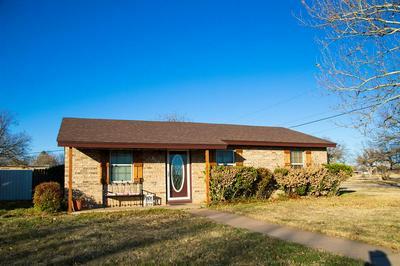613 POTOMAC DR, STAMFORD, TX 79553 - Photo 1