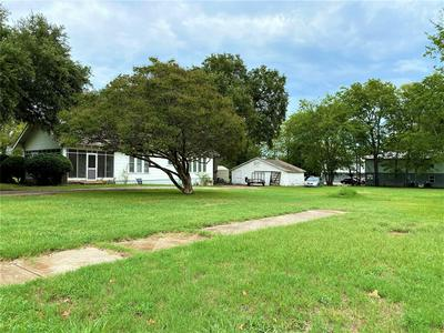 956 CHURCH ST, Sulphur Springs, TX 75482 - Photo 2