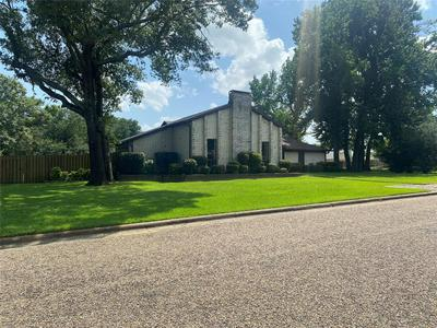 504 SOUTHGATE DR, Mount Pleasant, TX 75455 - Photo 2
