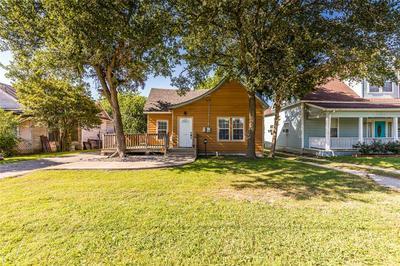 516 E ELM ST, Hillsboro, TX 76645 - Photo 2