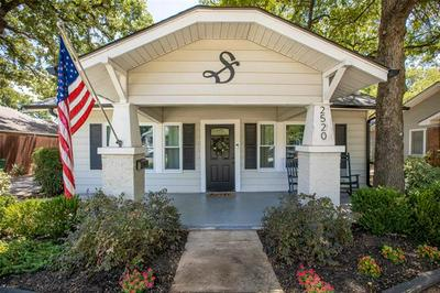 2520 CARNATION AVE, Fort Worth, TX 76111 - Photo 1