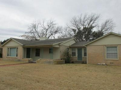 1031 W 11TH ST, BRADY, TX 76825 - Photo 1