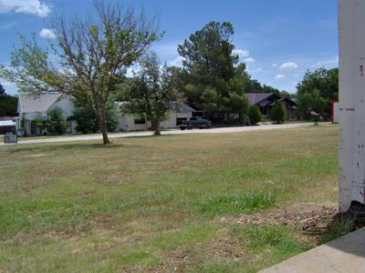 105 E OLIVE ST, Eastland, TX 76448 - Photo 2