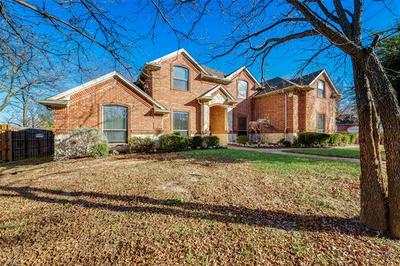 802 SHADY BEND DR, Kennedale, TX 76060 - Photo 2