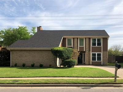 208 LAUREL LN, EULESS, TX 76039 - Photo 2