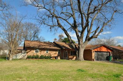 985 MEADOWLARK LN, STEPHENVILLE, TX 76401 - Photo 1