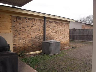 406 KATHERINE CT, Duncanville, TX 75137 - Photo 2