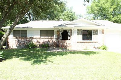 1037 LIVINGSTON DR, Hurst, TX 76053 - Photo 2