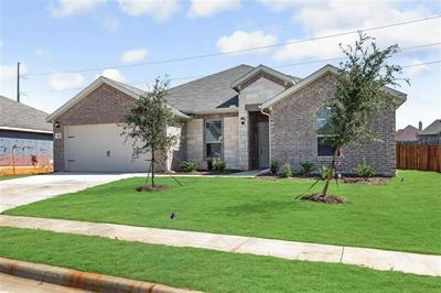 1421 GRASSY MEADOWS DR, Burleson, TX 76058 - Photo 2