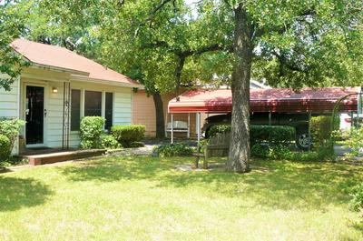 804 CENTRAL AVE, Bowie, TX 76230 - Photo 2
