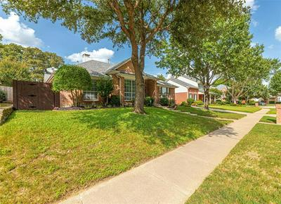 8317 SHADY OAKS DR, North Richland Hills, TX 76182 - Photo 2