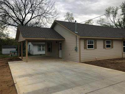315 WATER ST, Whitesboro, TX 76273 - Photo 2