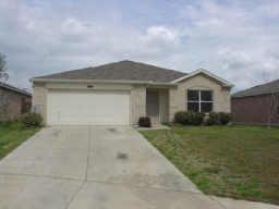 320 OAKHURST DR, Seagoville, TX 75159 - Photo 1