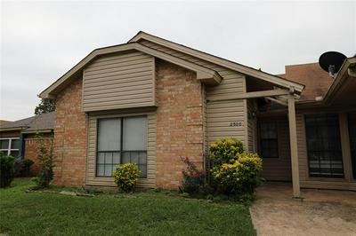 2500 SUNFLOWER DR, Arlington, TX 76014 - Photo 1