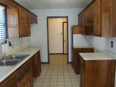 1300 SPARROW CT, DeSoto, TX 75115 - Photo 2