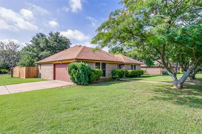 701 DANIELS DR, Crowley, TX 76036 - Photo 2