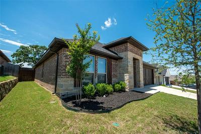 1412 TOWN CREEK CIR, Weatherford, TX 76086 - Photo 1