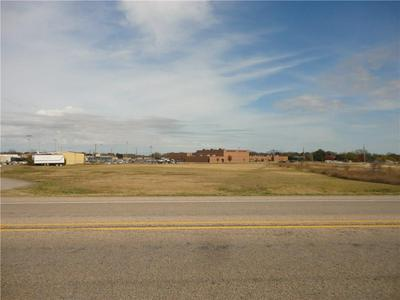 416 S US HIGHWAY 69, Whitewright, TX 75491 - Photo 1
