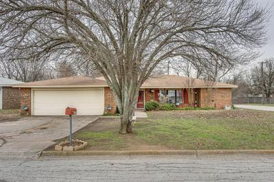 1401 JACKSON ST, BOWIE, TX 76230 - Photo 1