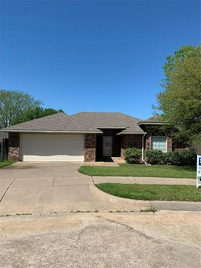 627 JOHNATHON CT, JOSHUA, TX 76058 - Photo 1